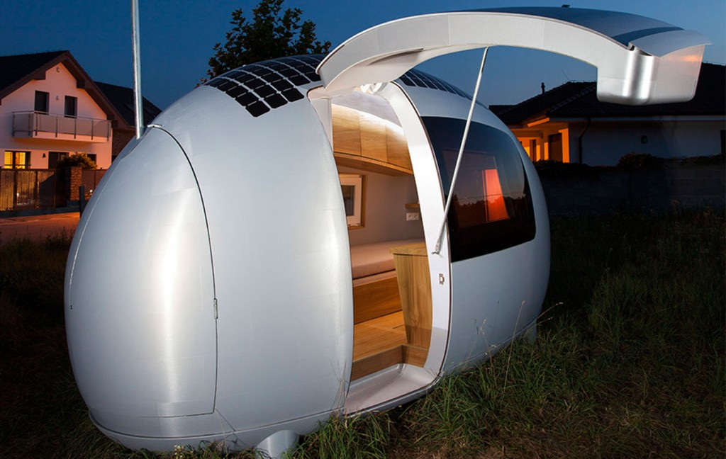 This-Spacecraft-Like-Micro-Home-Will-Amaze-Sci-Fi-Fans-3